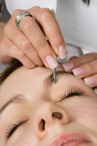 waxing-tinting for eyebrows - LAB Skin Clinic Neutral Bay 02 9909 3602.